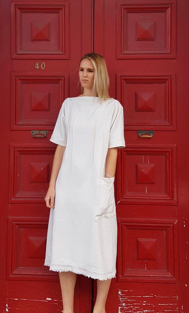 white-dress-pocket-lb-size-close